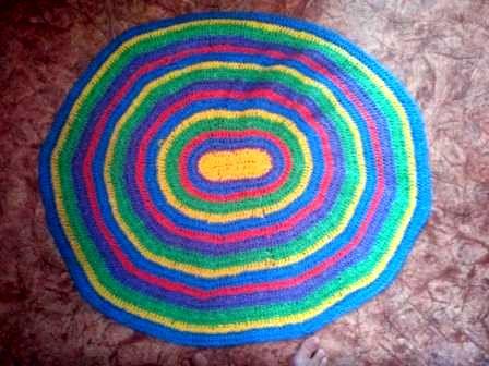 Вязание ковриков из пакетов: красивый непромокаемый коврик в ванную или на кухню